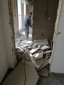 建筑拆除工程控制施工噪声