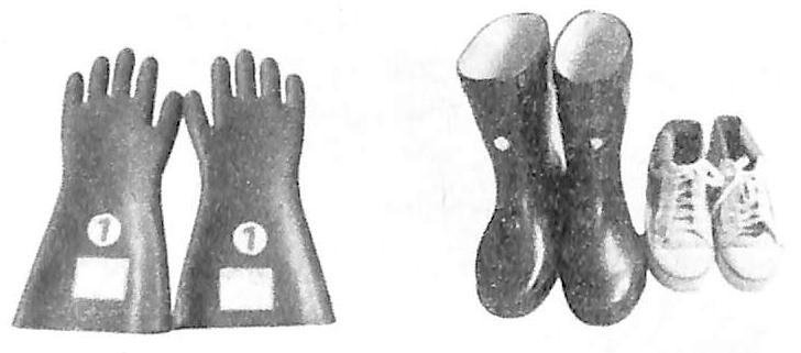 图6-2绝缘手套与绝缘鞋