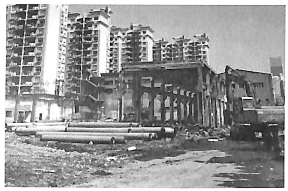 图1.34上海市红坊文创园再生利用项目 (排架结构厂房拆除)