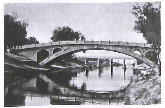 图1-8赵州桥
