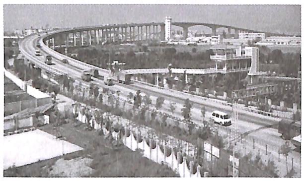 图1-12广东番禺洛溪大桥