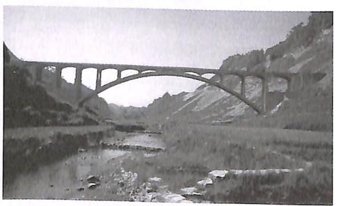 图1-14湖南凤凰乌巢河大桥