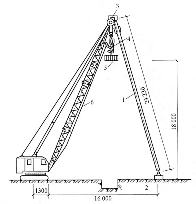 图7-2用150kN履带式起重机加辅助桅杆吊12t重夯锤强夯