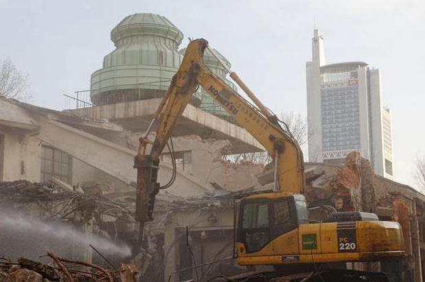 坚固的建筑物拆除