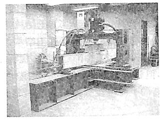 (a)FRP预应力混凝土梁的疲劳试验